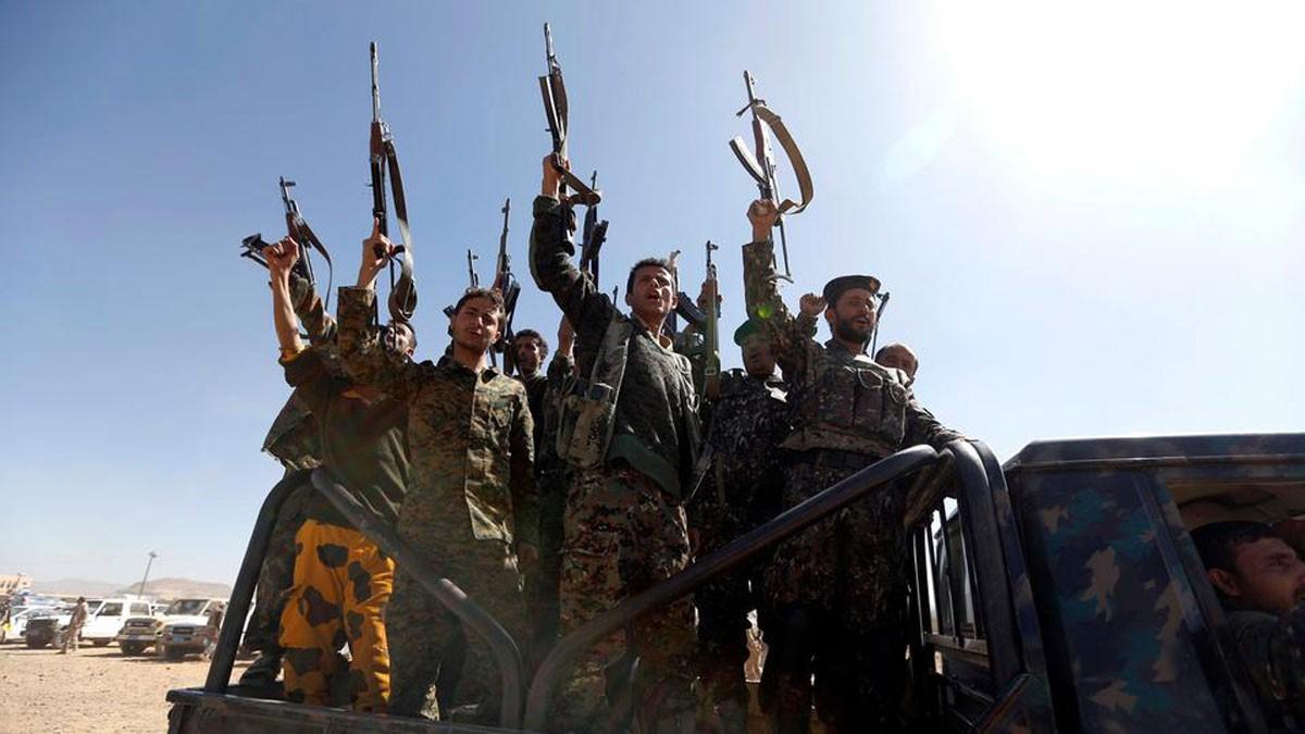 الحوثي يحول منازل أهالي الحديدة إلى مراكز لميليشياته