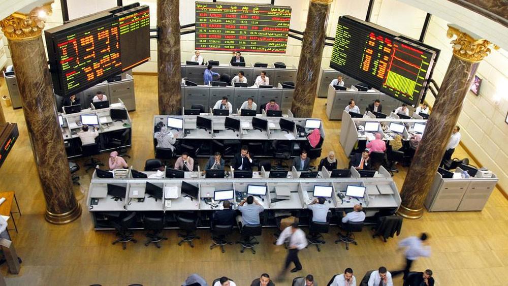 بورصة مصر تعاود النزيف والأسهم تخسر 28 مليار جنيه