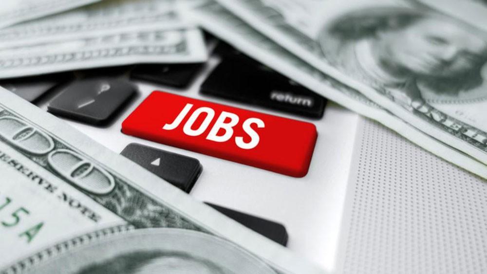 البطالة في أميركا تهبط لأدنى مستوى في 49 عاماً
