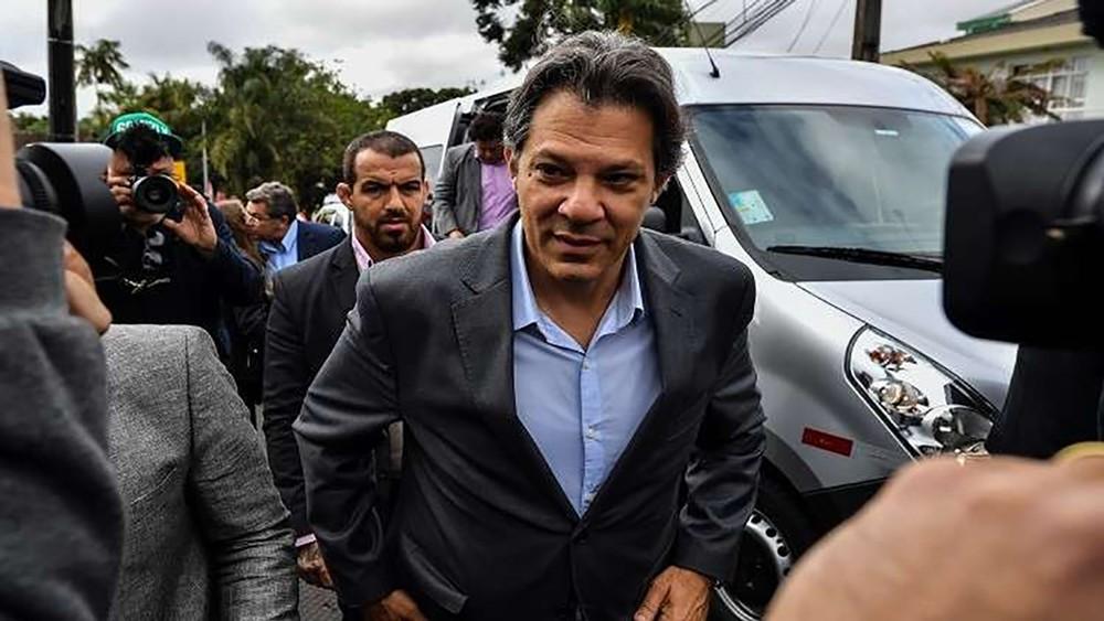 تعبئة اللحظات الاخيرة عشية انتخابات رئاسية غير محسومة في البرازيل