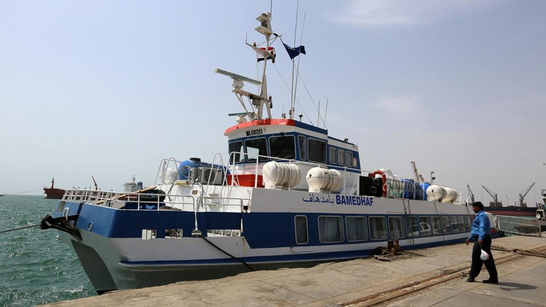اليمن.. ميليشيات الحوثي تحتجز 10 سفن في الحديدة