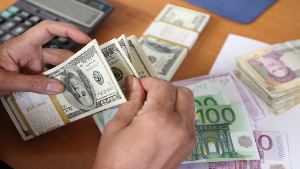 صندوق النقد الدولي يتوقّع انكماش الاقتصاد الايراني