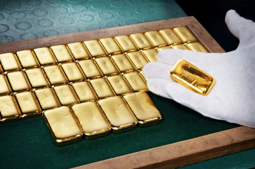 أسعار الذهب تهبط للجلسة الثانية بفعل ارتفاع الدولار