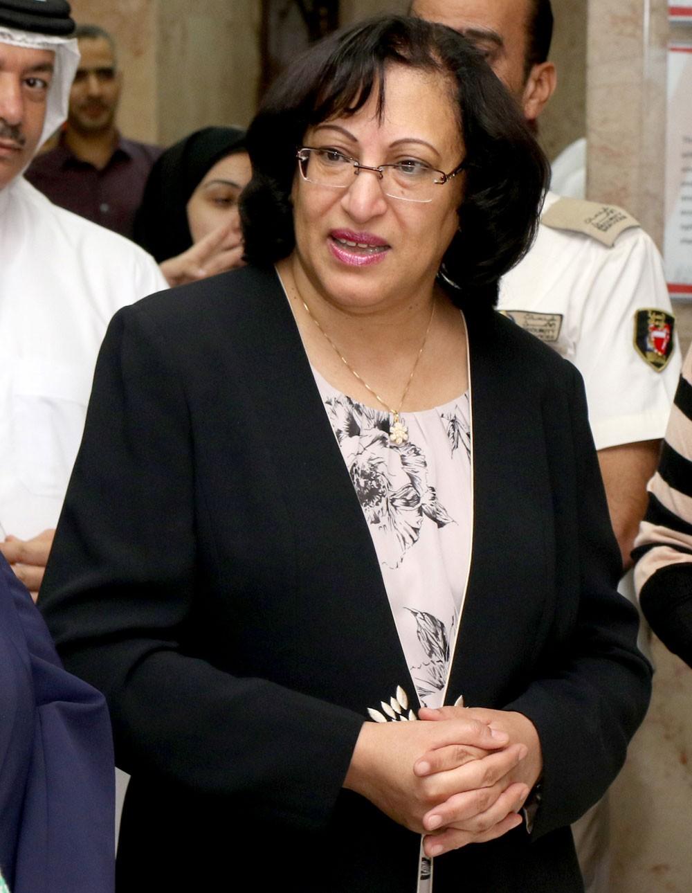 وزيرة الصحة تثمن توجيهات سمو رئيس الوزراء