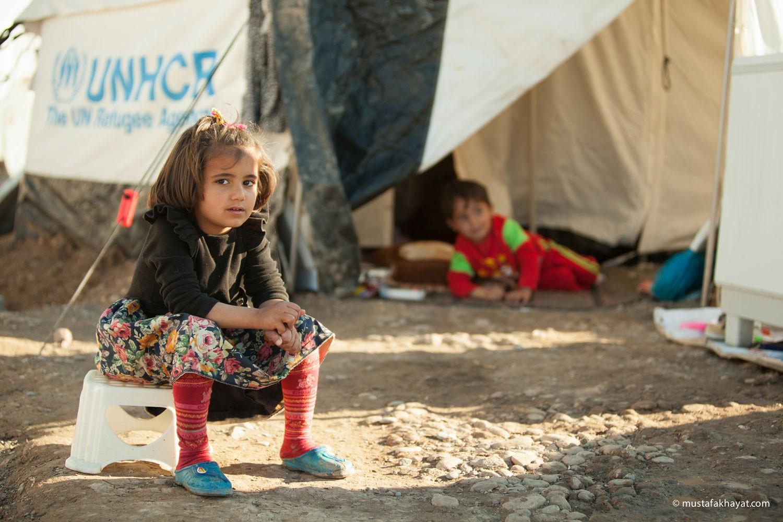 آلاف السوريين يواجهون الموت جوعاً في مخيم الركبان