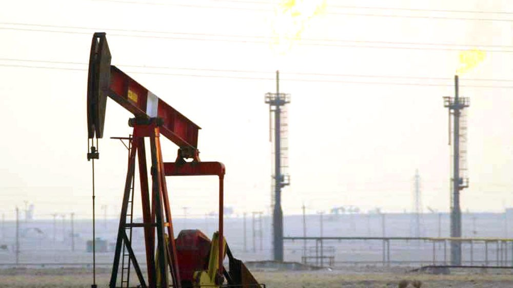 """أوبك تقول سوق النفط تتلقى إمدادات كافية وتحذر من """"تخمة"""""""