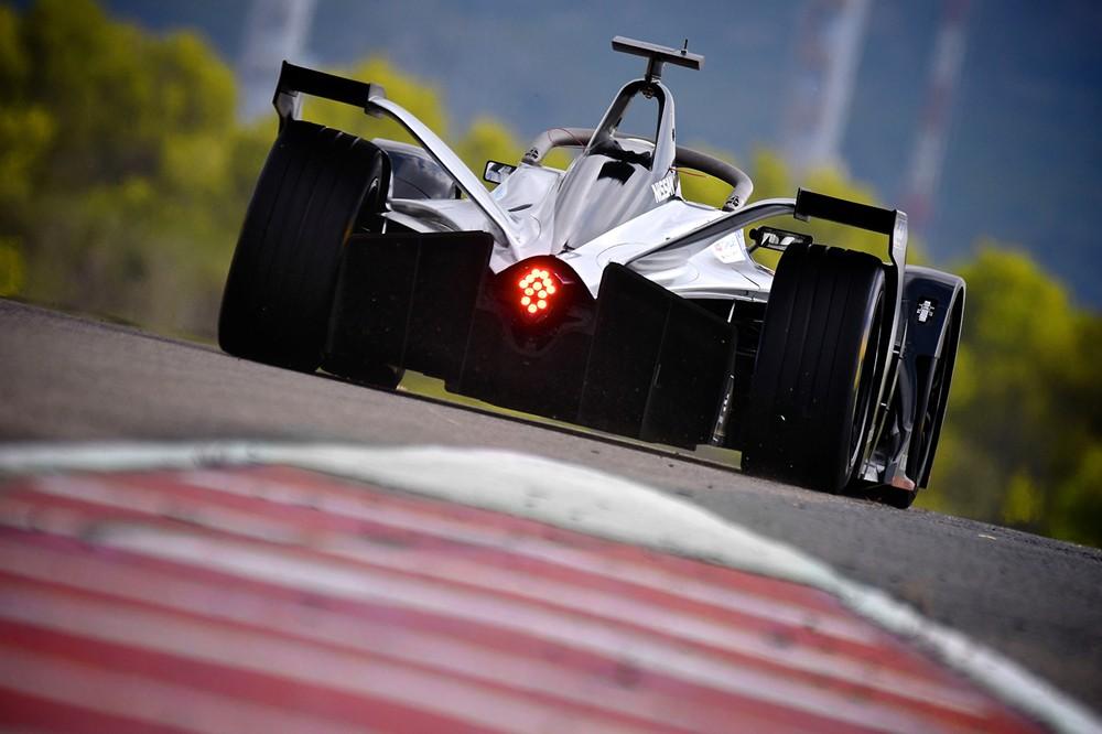 نيسان تبدأ مشاركتها الأولى رسمياً في سباقات فورمولا إي للسيارات الكهربائية