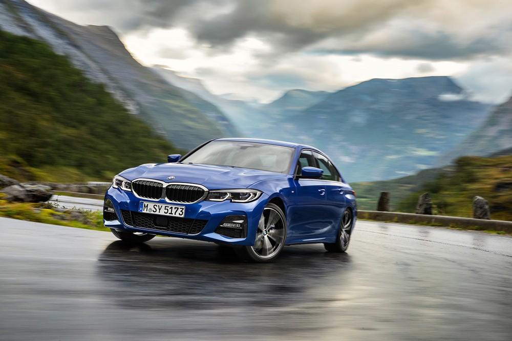 BMW  الفئة الثالثة سيدان الجديدة كلياً