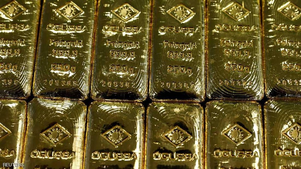 الذهب مستقر بسبب الدولار