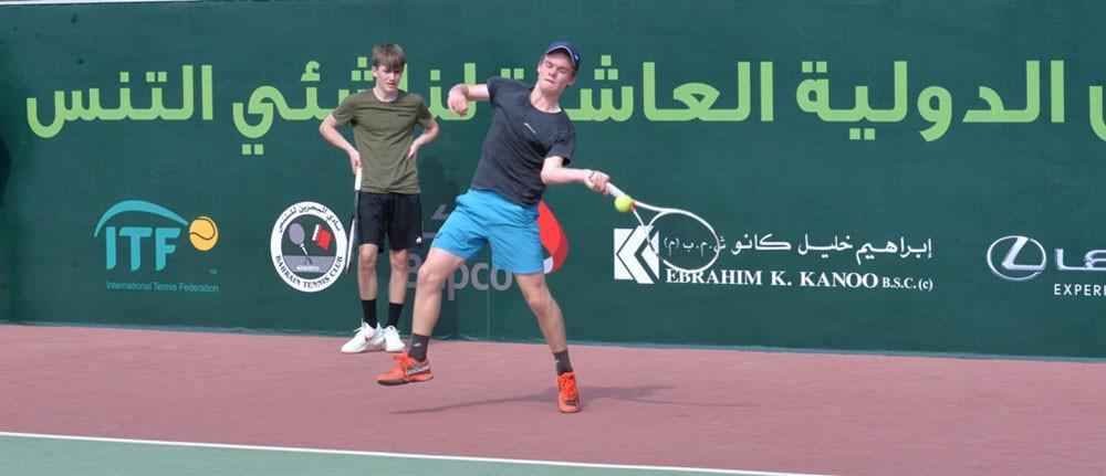 انطلاق الأدوار التأهيلية لدولية ITF بنادي البحرين للتنس اليوم