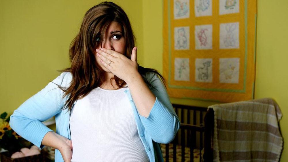لماذا تزيد حاسة الشم عند الحوامل؟ وكيف يتغلبن عليها؟