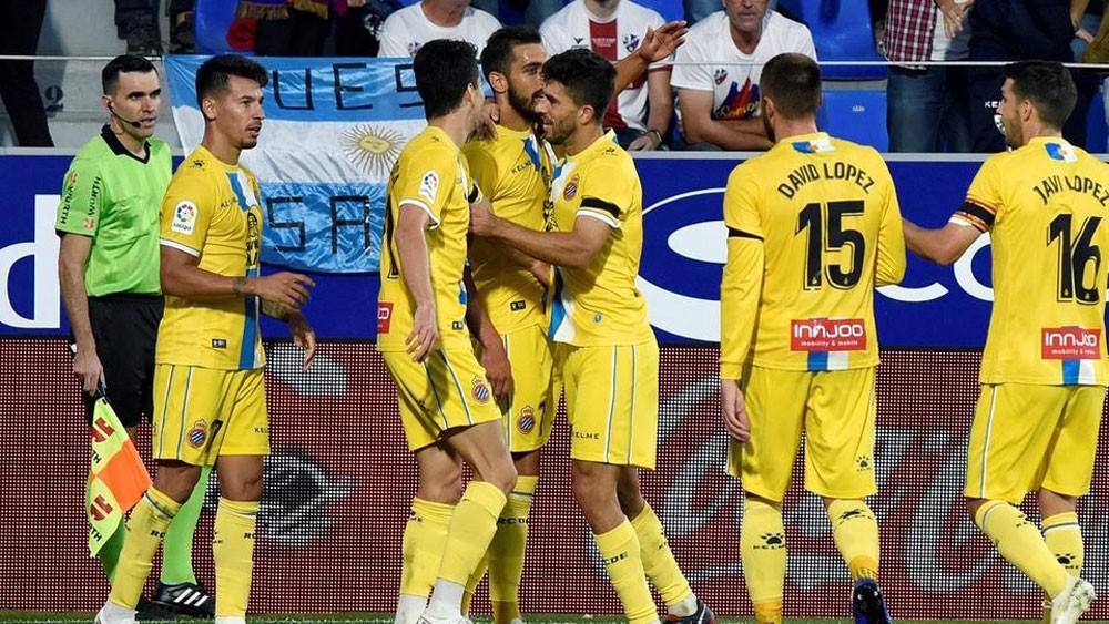 إيغليسياس يقود إسبانيول إلى المركز الثاني خلف برشلونة