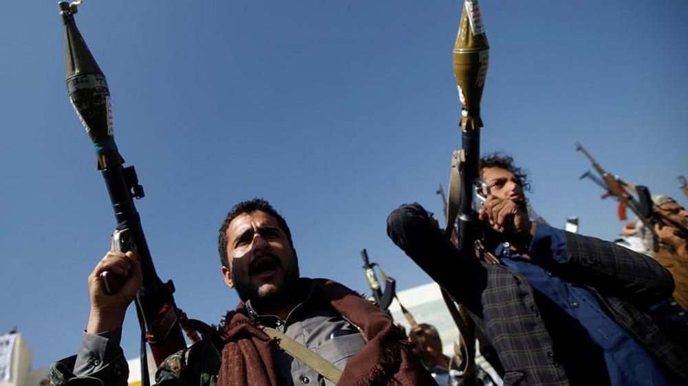 صنعاء.. اشتباكات بصفوف الميليشيات وانتشار لعمليات النهب