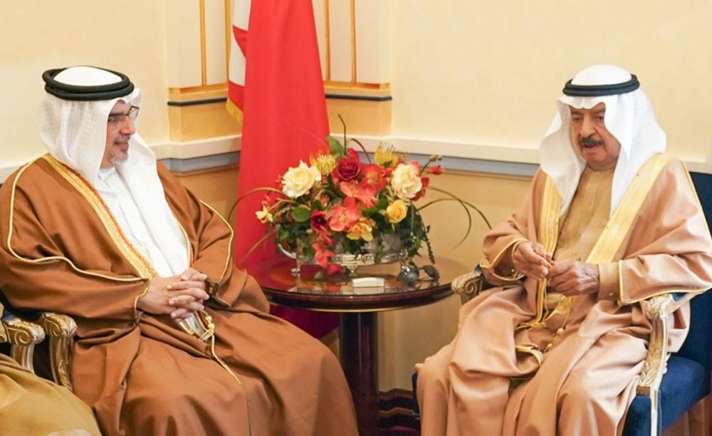 سمو رئيس الوزراء وسمو ولي العهد: البحرين بقيادة الملك  تجاوزت التحديات