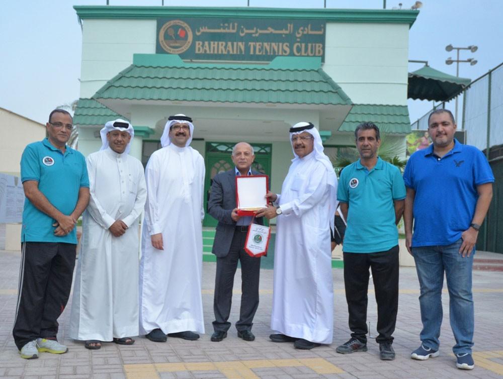 افتتاح بطولة البحرين الدولية العاشرة ITF لناشئي التنس