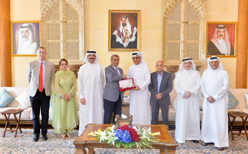 سلمان بن ابراهيم يؤكد حرص البحرين على انجاح برامج تطوير التنس الآسيوية