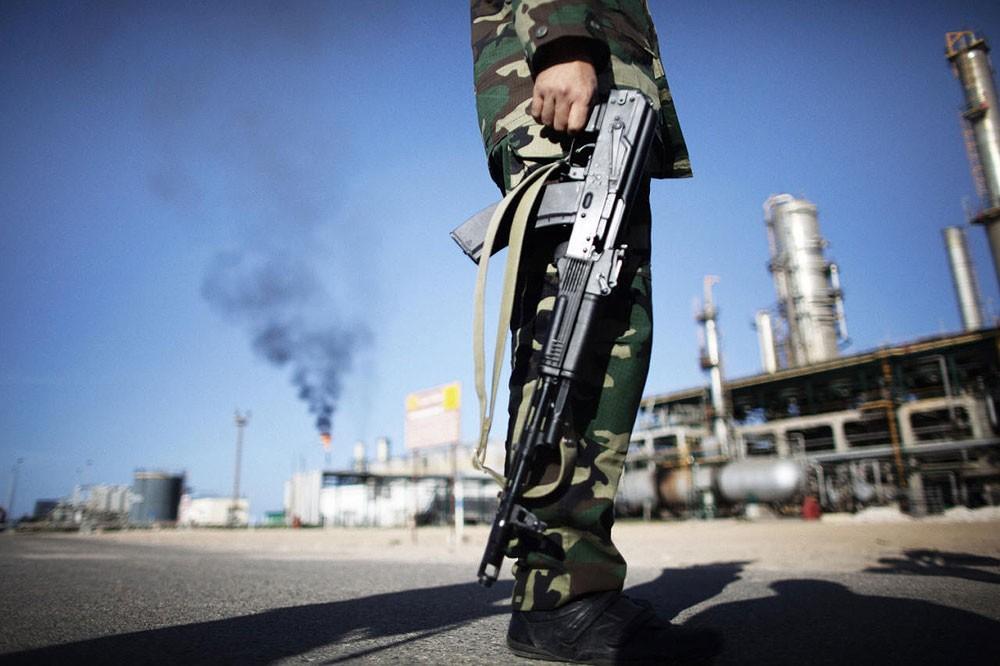 مؤسسة النفط الليبية تقول إنها زادت إنتاج حقل أبو الطفل النفطي