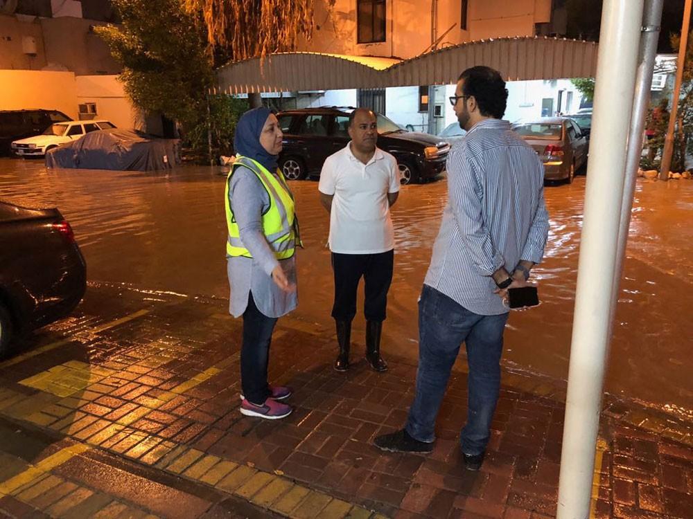 حميدان: تلقي 375 بلاغاً لشفط مياه الأمطار وإزالة 437 شحنة