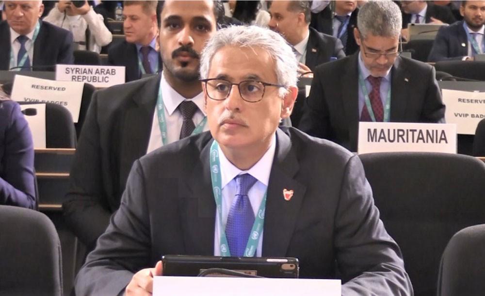 وزير الصناعة يشارك في قمة قادة الاستثمار في العالم