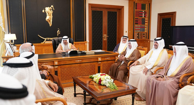 سمو رئيس الوزراء يشيد بإسهامات خالد بن عبدالله في تطوير العمل الحكومي