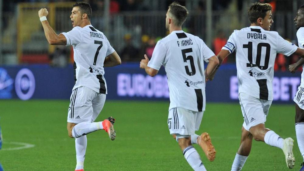 رونالدو يسجل ثنائية ويقود يوفنتوس لفوز صعب على إمبولي