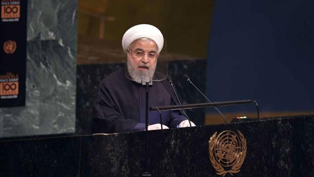 إيران تكشف: هاتف روحاني مراقب وتم التنصت عليه