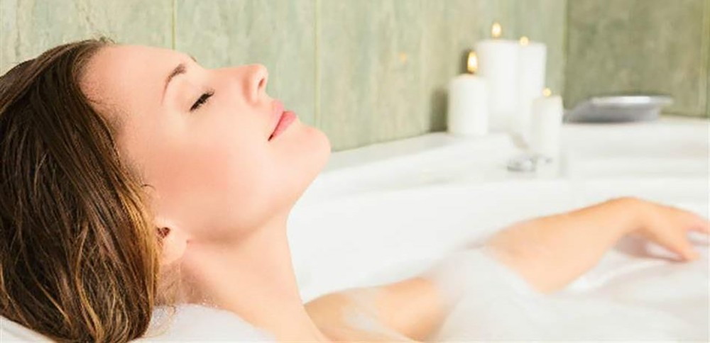 الإستحمام بالماء الساخن علاج للإكتئاب... إليكم التفاصيل