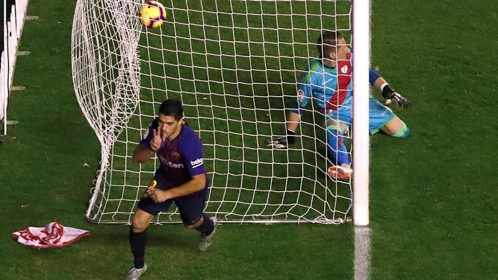 برشلونة يقلب النتيجة على رايو فايكانو ويحرمه فوزا ثمينا