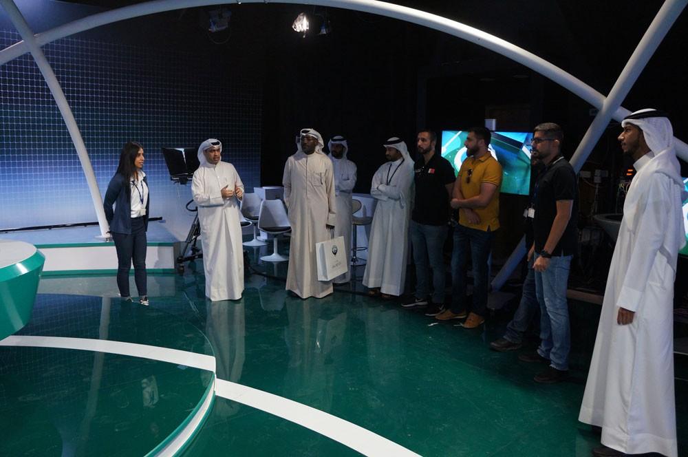 الرياضية تطير إلى الكويت ورئيسة القناة تقدم (شاي الضحى)