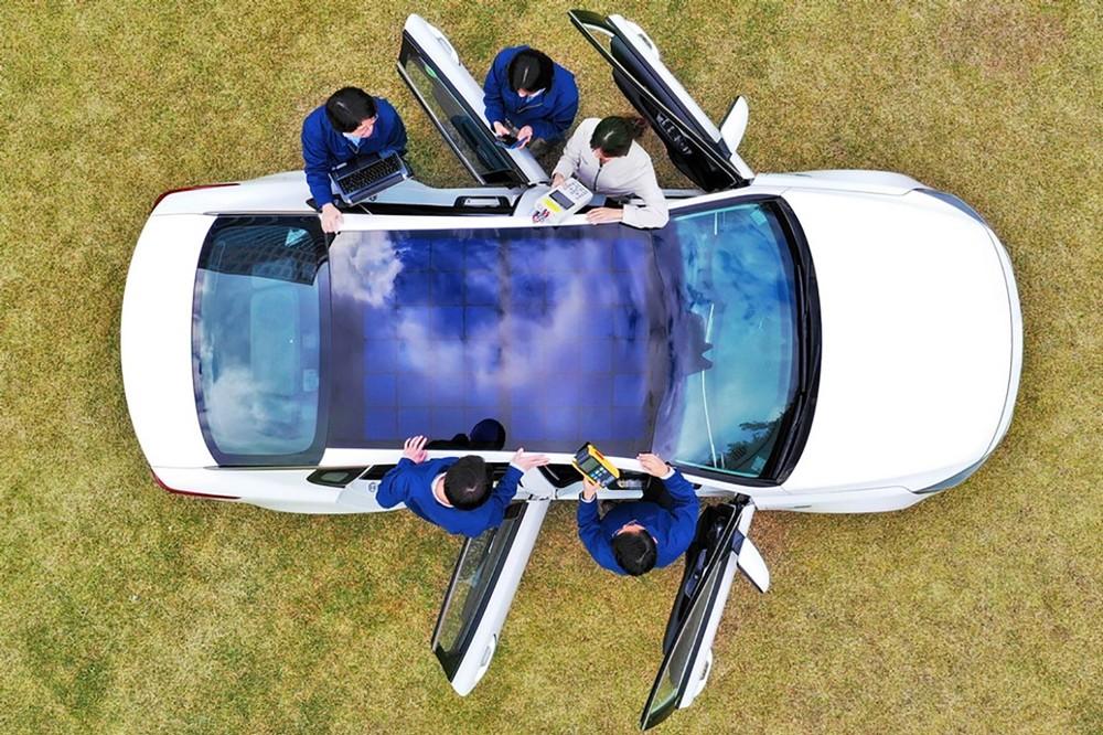 بعض سيارات Hyundai و Kia ستأتي مع ألواح الطاقة الشمسية بعد العام 2019