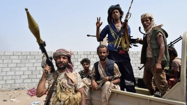 الحديدة.. الجيش يواصل تقدمه لقطع ممرات إمداد الحوثي