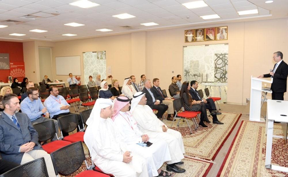 """بوليتكنك البحرين تناقش """"فرص تعزيز البحوث التطبيقية للابتكار"""""""