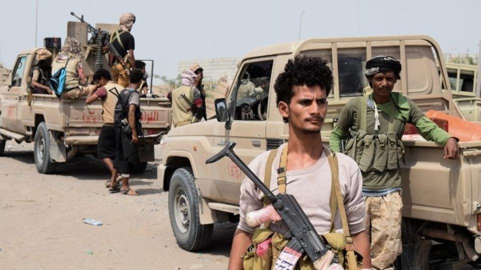 الحديدة.. الجيش يسيطر على المداخل ومقتل عشرات الحوثيين
