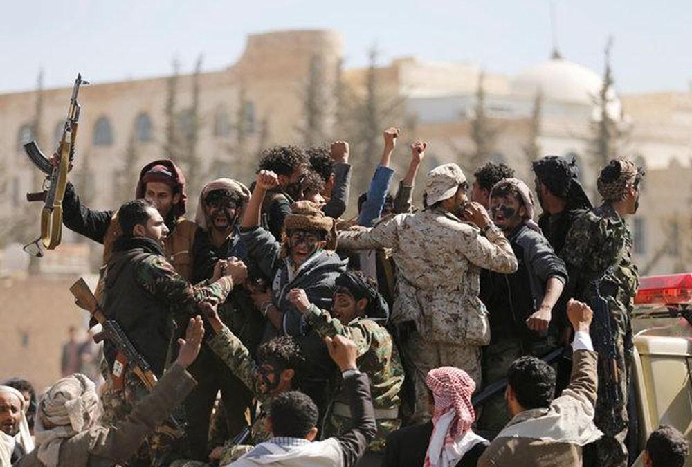 واشنطن تدرس إدراج الحوثيين على لائحة الإرهاب