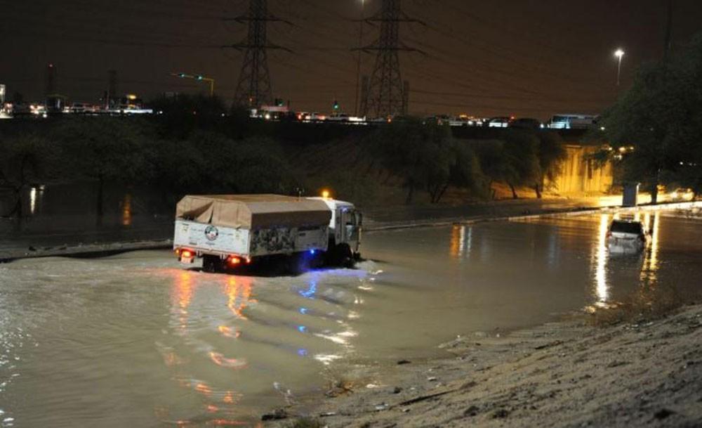 وزارة الكهرباء الكويتية : عودة الكهرباء للمناطق التي انقطع عنها التيار الكهربائي