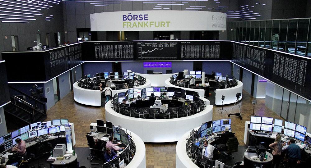 الأسهم الأوروبية تختتم نهاية الأسبوع بانخفاض
