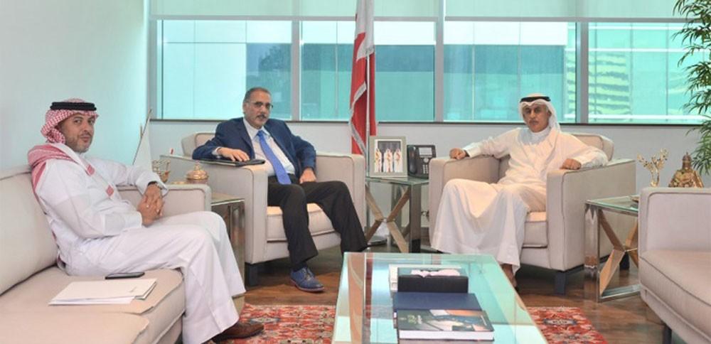 وزير الصناعة يستقبل رئيس مجلس إدارة بورصة البحرين