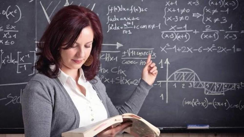 قانون التعليم الجديد.. هل تجلب مصر معلمين من الخارج؟