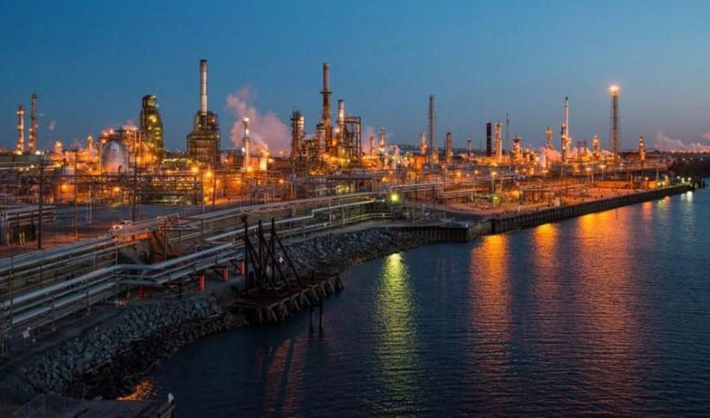 إدارة الطاقة : إنتاج النفط الصخري سيزيد 113 ألف برميل يوميا في ديسمبر