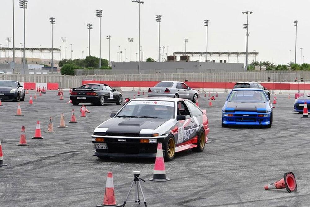 أوتوكروس البحرين يشهد مشاركة واسعة في سباقه الافتتاحي الأول