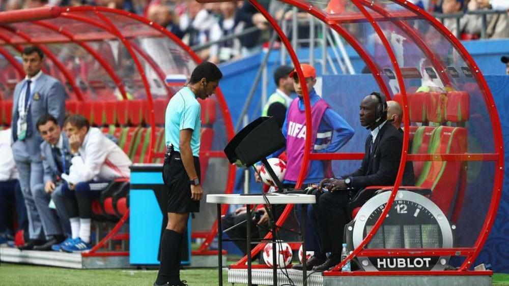 """كأس آسيا 2019 يعتمد تقنية """"VAR"""""""