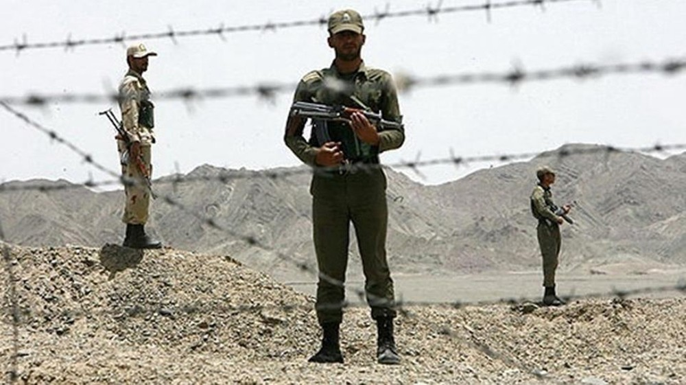 """""""جيش العدل"""" البلوشي يطلق سراح 5 من الحرس الثوري"""