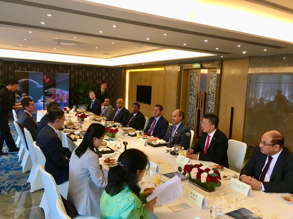 محافظ العاصمة يؤكد تطلع البحرين لفتح آفاق من التعاون مع شنجن الصينية