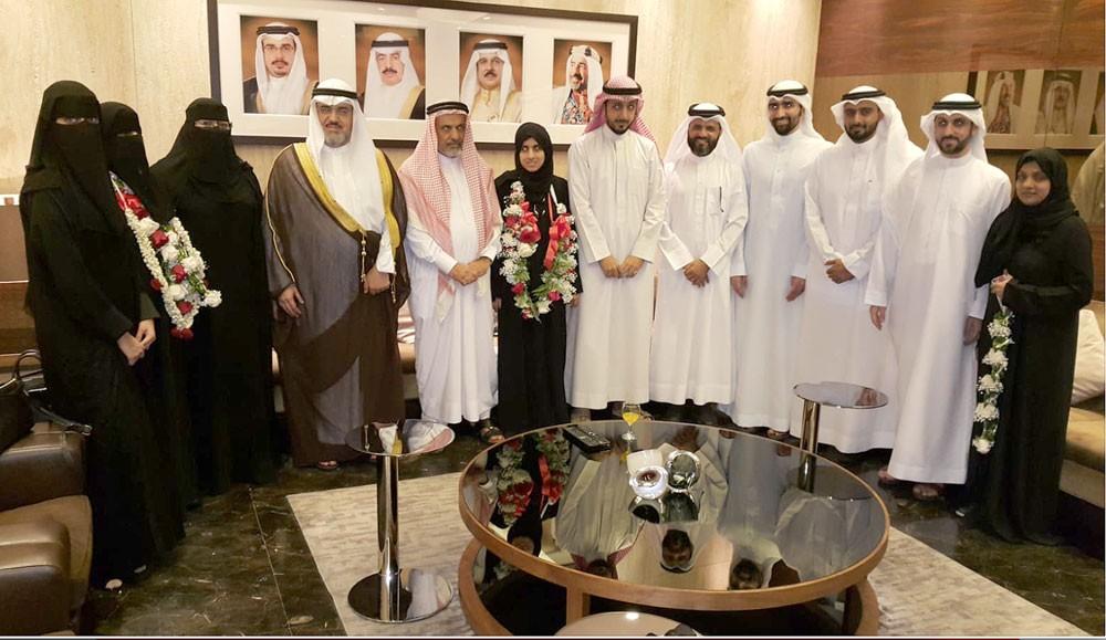 وكيل الشؤون الإسلامية يستقبل الفائزة في جائزة دبي الدولية للقرآن
