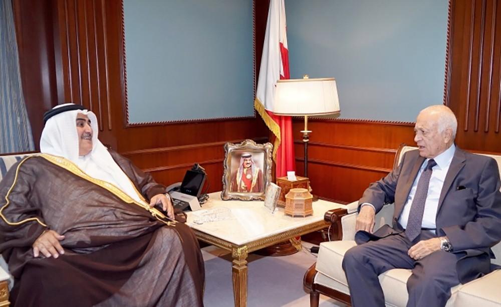 معالي وزير الخارجية يستقبل الأمين العام السابق لجامعة الدول العربية