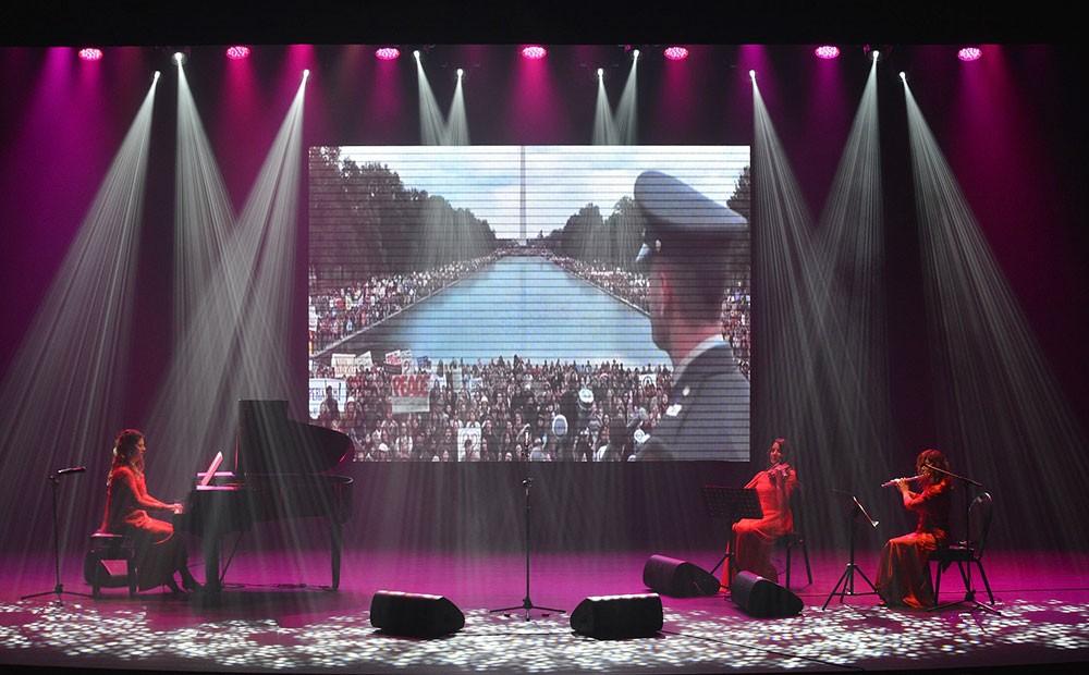 """فرقة """"نينو روتّا"""" تحيي خشبة الصالة الثقافية بأشهر المقاطع الموسيقية الإيطالية"""