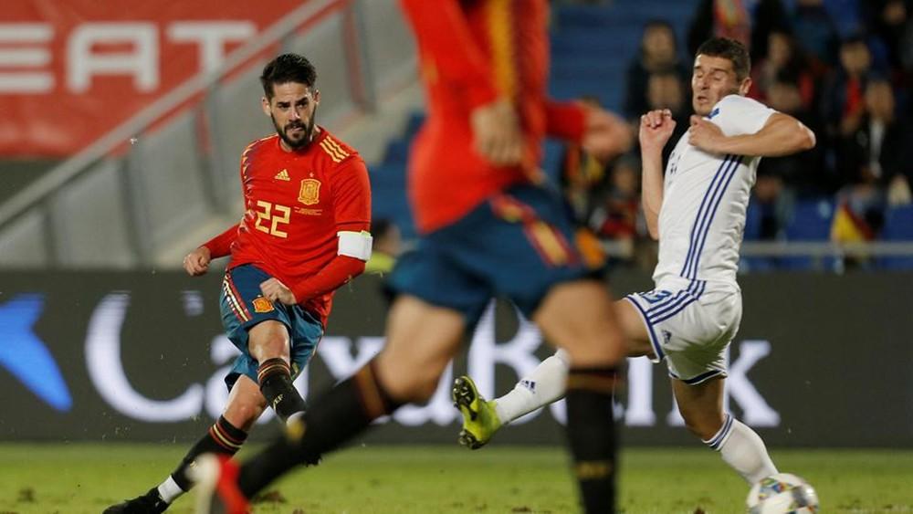 إسبانيا تهزم البوسنة بفضل هدف مينديز