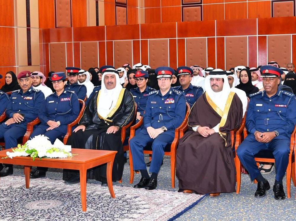 وكيل وزارة الداخلية يشهد حفل تخريج 100 من المشاركين في عدد من الدورات التدريبية