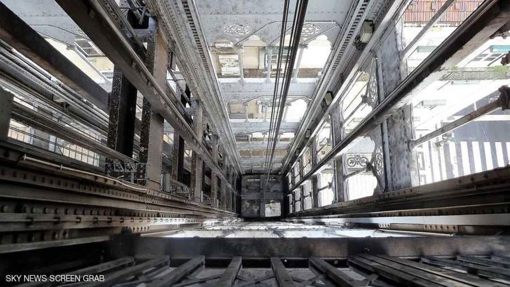 مصعد ناطحة سحاب أميركية يهوي 84 طابقا بـ 6 أشخاص