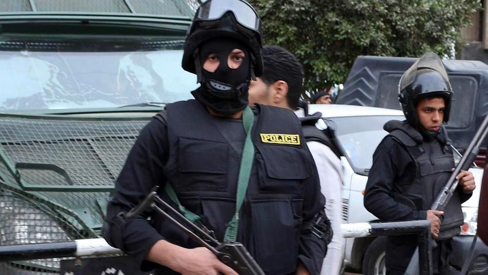 مصر.. مقتل إرهابي وإصابة آخرين باشتباك مع الشرطة بأسيوط